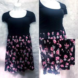 EUC Torrid Floral Popover Dress Size 2